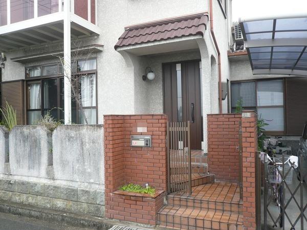 枚方市 玄関ドアの取替リフォーム